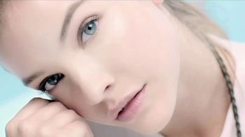L'Oreal Paris Hydra Genius TV Spot, 'Fresh Face' Featuring Barbara Palvin - Thumbnail 9