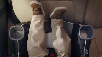 Graco Extend2Fit Convertible Car Seat TV Spot, 'Leg Room'