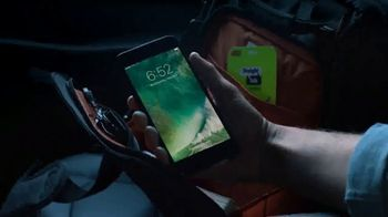 Straight Talk Wireless Unlimited TV Spot, 'Bunny: iPhone Deals' - Thumbnail 2