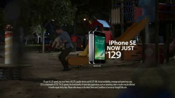 Straight Talk Wireless Unlimited TV Spot, 'Bunny: iPhone Deals' - Thumbnail 8