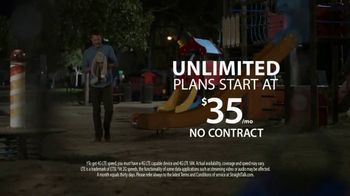 Straight Talk Wireless Unlimited TV Spot, 'Bunny: iPhone Deals' - Thumbnail 9