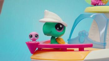 Littlest Pet Shop Cruise Ship TV Spot, 'Epic Waves' - Thumbnail 4