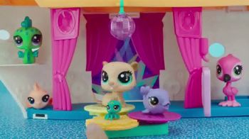 Littlest Pet Shop Cruise Ship TV Spot, 'Epic Waves' - Thumbnail 7