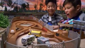 Disney Pixar Cars 3 Thunder Hollow Criss-Cross Trackset TV Spot, 'Derby' - 580 commercial airings