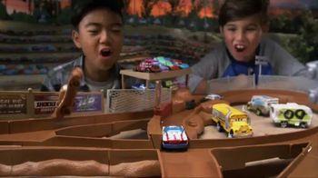 Disney Pixar Cars 3 Thunder Hollow Criss-Cross Trackset TV Spot, 'Derby' - Thumbnail 3