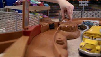 Disney Pixar Cars 3 Thunder Hollow Criss-Cross Trackset TV Spot, 'Derby' - Thumbnail 4