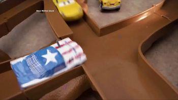 Disney Pixar Cars 3 Thunder Hollow Criss-Cross Trackset TV Spot, 'Derby' - Thumbnail 5
