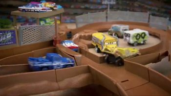 Disney Pixar Cars 3 Thunder Hollow Criss-Cross Trackset TV Spot, 'Derby' - Thumbnail 7