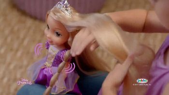 Disney Princess Tangled Glow N' Style Rapunzel TV Spot, 'Golden Hair' - Thumbnail 4