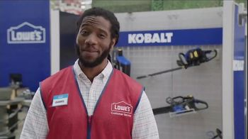 Lowe's TV Spot, 'Backyard Moment: Trimmer' - Thumbnail 6