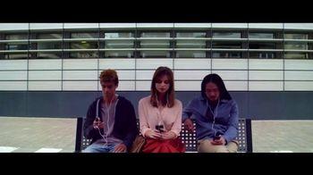 Motorola Moto Z2 Play TV Spot, 'Hellomoto' - Thumbnail 6