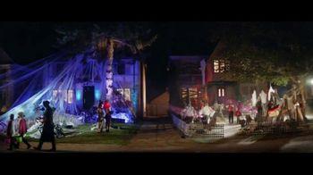 Party City TV Spot, 'Halloween: House Battle' - Thumbnail 6