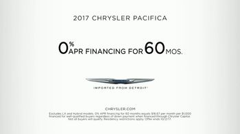 2017 Chrysler Pacifica TV Spot, 'Before Functionality: Fathering' [T2] - Thumbnail 9