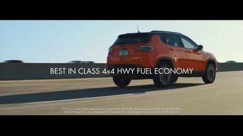 2017 Jeep Compass Latitude TV Spot, 'Traffic Jam' [T2] - Thumbnail 2