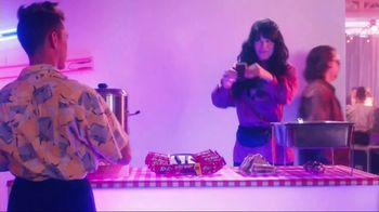 KitKat TV Spot, 'New Wave Jingle' - Thumbnail 5
