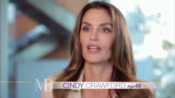 Meaningful Beauty TV Spot, 'Glamour & Glow Duo' Featuring Cindy Crawford - Thumbnail 2