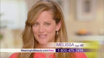 Meaningful Beauty TV Spot, 'Glamour & Glow Duo' Featuring Cindy Crawford - Thumbnail 7