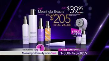Meaningful Beauty TV Spot, 'Glamour & Glow Duo' Featuring Cindy Crawford - Thumbnail 8