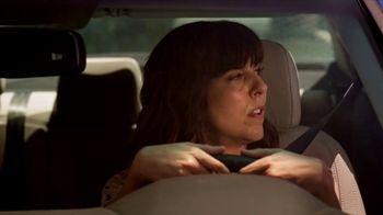 2018 Hyundai Sonata TV Spot, 'Duet: Traffic' Song by Neil Diamond [T2] - Thumbnail 5