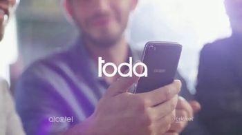 Alcatel IDOL 5 TV Spot, 'Toda la comodidad' canción de Gyom [Spanish] - Thumbnail 2