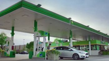 BP Gasoline With Invigorate TV Spot, 'Quality Time' - Thumbnail 2