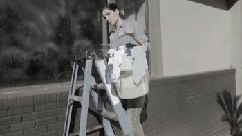 Fuller Full Crystal TV Spot, 'Clean Windows in Minutes' - Thumbnail 1