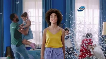 Dial Skin Therapy Body Wash TV Spot, 'Me Time' - Thumbnail 1