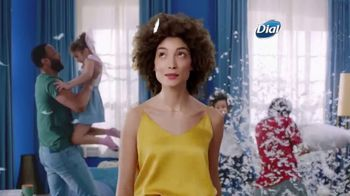 Dial Skin Therapy Body Wash TV Spot, 'Me Time' - Thumbnail 2