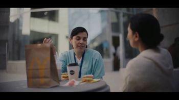 McDonald's Egg McMuffin TV Spot, 'El desayuno de las enfermeras' [Spanish] - Thumbnail 3