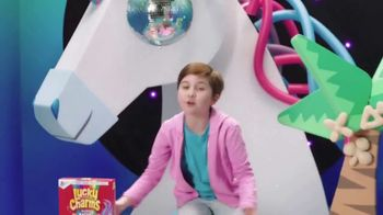 Lucky Charms Magical Unicorn Marshmallow TV Spot, 'Unicorn Island' - Thumbnail 4