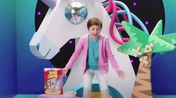 Lucky Charms Magical Unicorn Marshmallow TV Spot, 'Unicorn Island' - Thumbnail 5