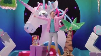 Lucky Charms Magical Unicorn Marshmallow TV Spot, 'Unicorn Island' - Thumbnail 7