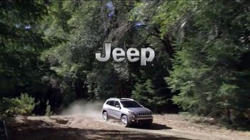 Jeep Cherokee Limited TV Spot, 'What It Takes: Balance ' Song by Carrollton [T1] - Thumbnail 10