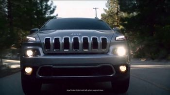 Jeep Cherokee Limited TV Spot, 'What It Takes: Balance ' Song by Carrollton [T1] - Thumbnail 4