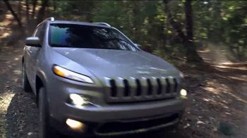 Jeep Cherokee Limited TV Spot, 'What It Takes: Balance ' Song by Carrollton [T1] - Thumbnail 9