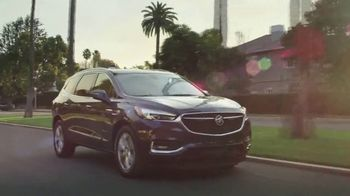 2018 Buick Enclave TV Spot, 'Busy Week' Song by Matt and Kim [T2] - Thumbnail 6