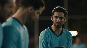 Corona Familiar TV Spot, 'Amigos' [Spanish] - Thumbnail 9