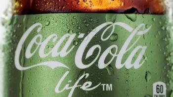 Coca-Cola Life TV Spot, 'Refreshing Twist' - Thumbnail 5