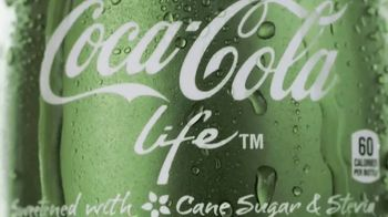 Coca-Cola Life TV Spot, 'Refreshing Twist' - Thumbnail 6