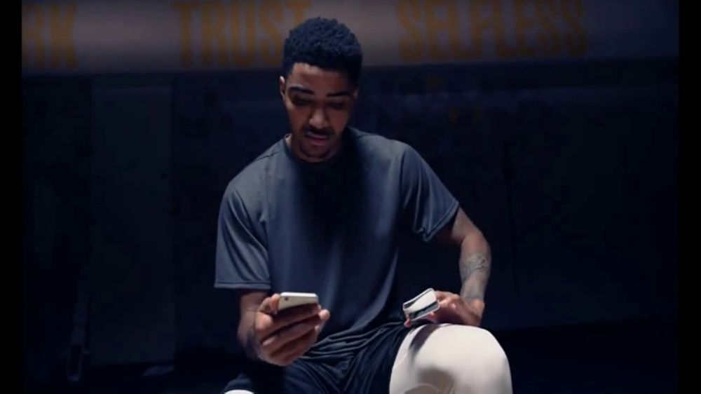Masimo MightySat TV Commercial, 'Data From MightySat Gives Gary Harris the Edge'