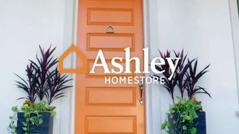 Ashley HomeStore Spring Into Style Sale TV Spot, 'Hurry In and Save' - Thumbnail 1