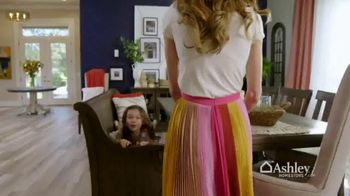 Ashley HomeStore Spring Into Style Sale TV Spot, 'Hurry In and Save' - Thumbnail 2