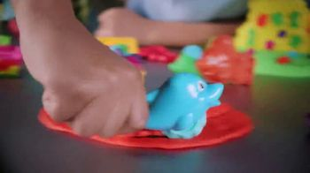 Play-Doh TV Spot, 'Cranky the Octopus & Wavy the Whale' - Thumbnail 6
