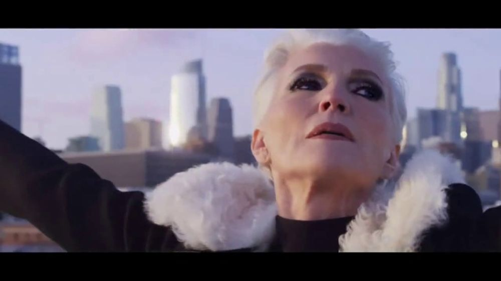 CoverGirl TruNaked Smoky Eyeshadow TV Commercial, 'Fire-Starter' Featuring Maye Musk