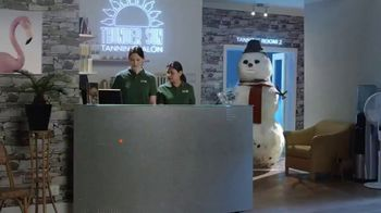 Kayak TV Spot, 'Snowman' - Thumbnail 1