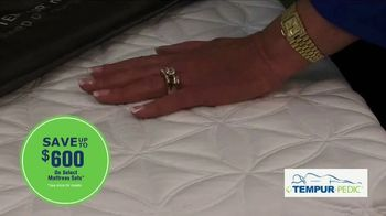 Relax the Back TV Spot, 'The Best Time to Choose a Mattress' - Thumbnail 6