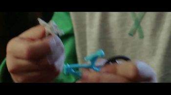 Kinder Joy TV Spot, 'A Two-In-One Treat' - Thumbnail 8