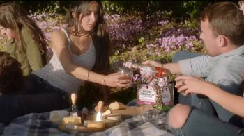 Angry Orchard Rosé TV Spot, 'Cider Lessons Ep. 4: Roses Are Red' - Thumbnail 5