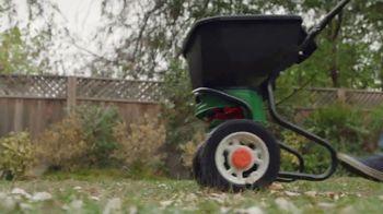 Lowe's TV Spot, 'Backyard Moment: Pennington Smart Seed' - Thumbnail 8