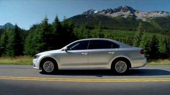 Volkswagen Presidents Day TV Spot, 'Bear' Song by Grouplove [T2] - Thumbnail 6